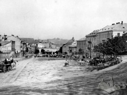 Площа Данила Галицького