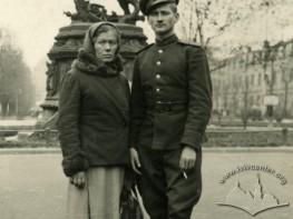 Фото на пам'ять біля пам'ятника Яну ІІІ Собеському