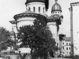 Вид Преображенської церкви та вулиці Корнякта