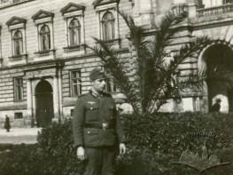 A German officer in the Kościuszko Park