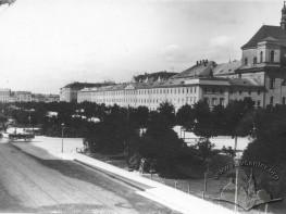 Prospekt Swobody z widokiem na gmach Urzędu Gubernialnego