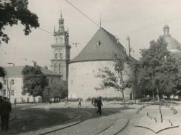 Вид на вежу Корнякта та Порохову, а також Домініканський костел