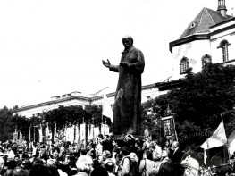 Pomnik T. Szewczenki na Prospekcie Swobody