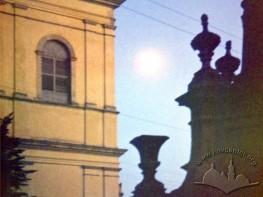 Вежа-дзвіниця бернардинського монастиря